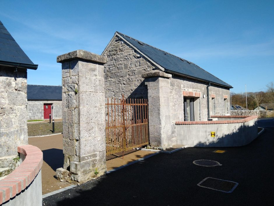 Cahercalla - Gate