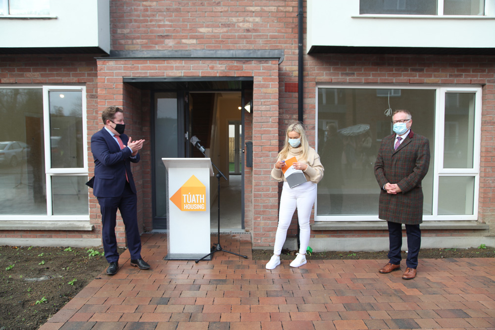 Tuath Cooleven Keys to new tenant